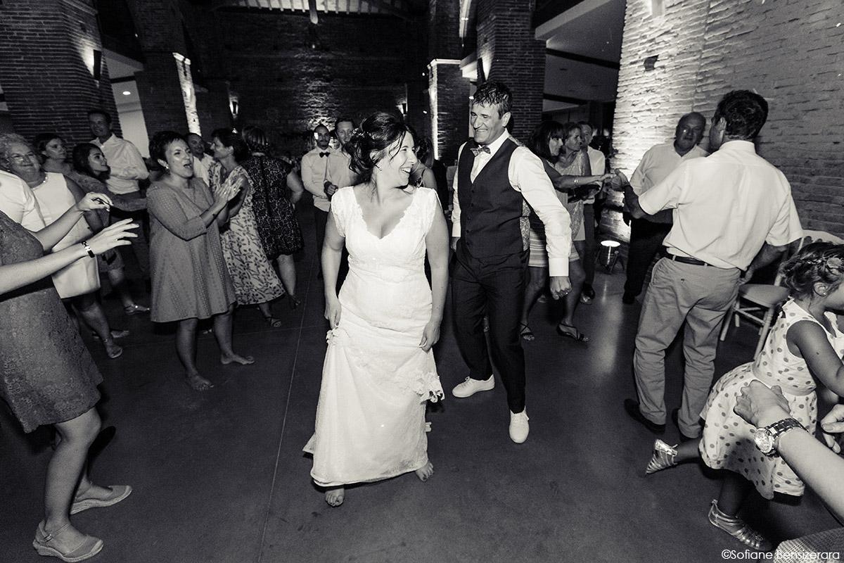 Mariage d'Aurore et Jérôme au Château de Mousens 62 photo couple mariage noir et blanc