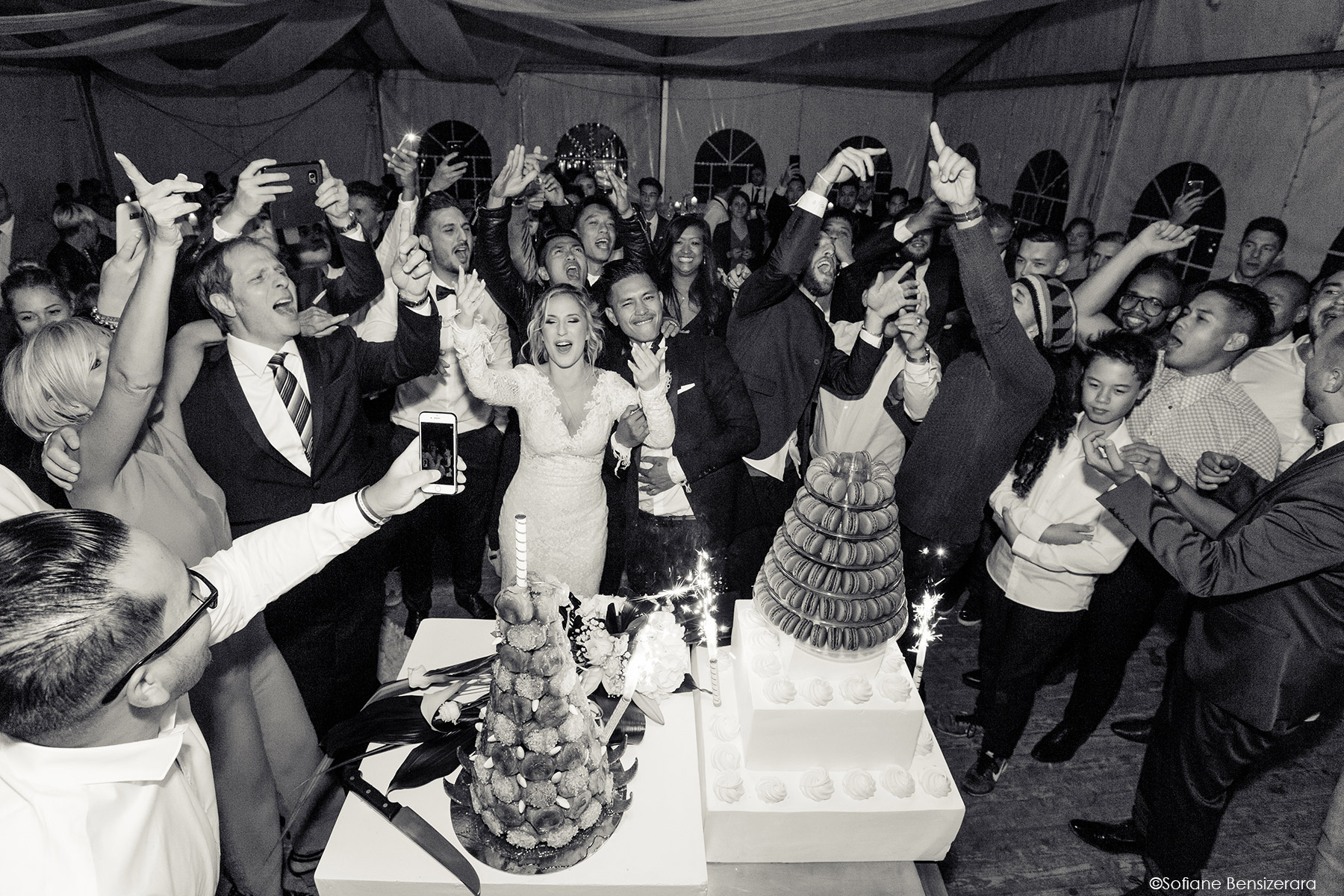 Mariage de Jennifer & Kham à Tournefeuille 26 coupe gateau mariage toulouse