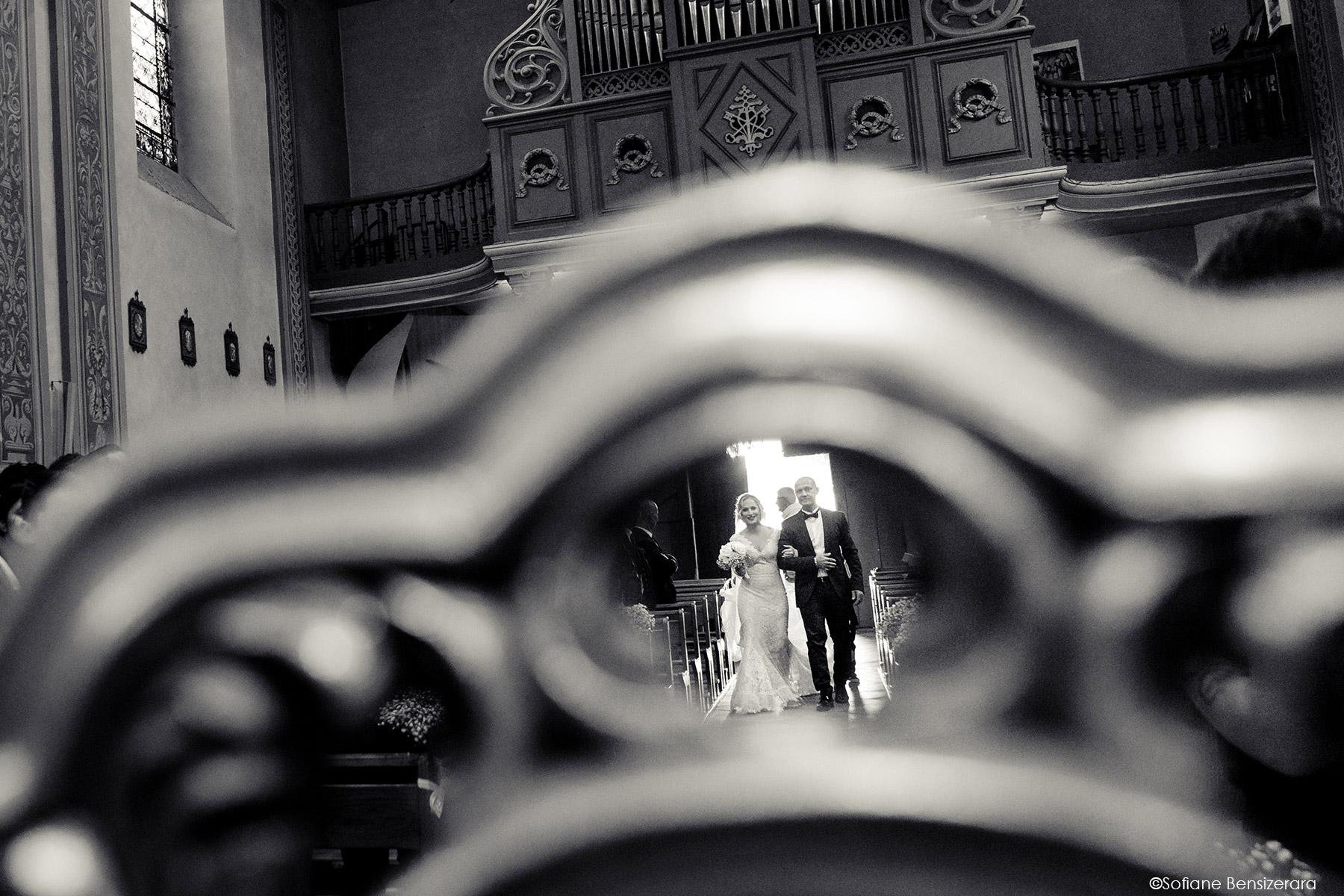 Mariage de Jennifer & Kham à Tournefeuille 15 entree eglise toulouse mariage