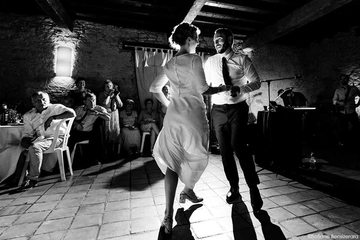 Mariage de Jane & Pierre au Château du Croisillat 83 premiere danse idee mariage