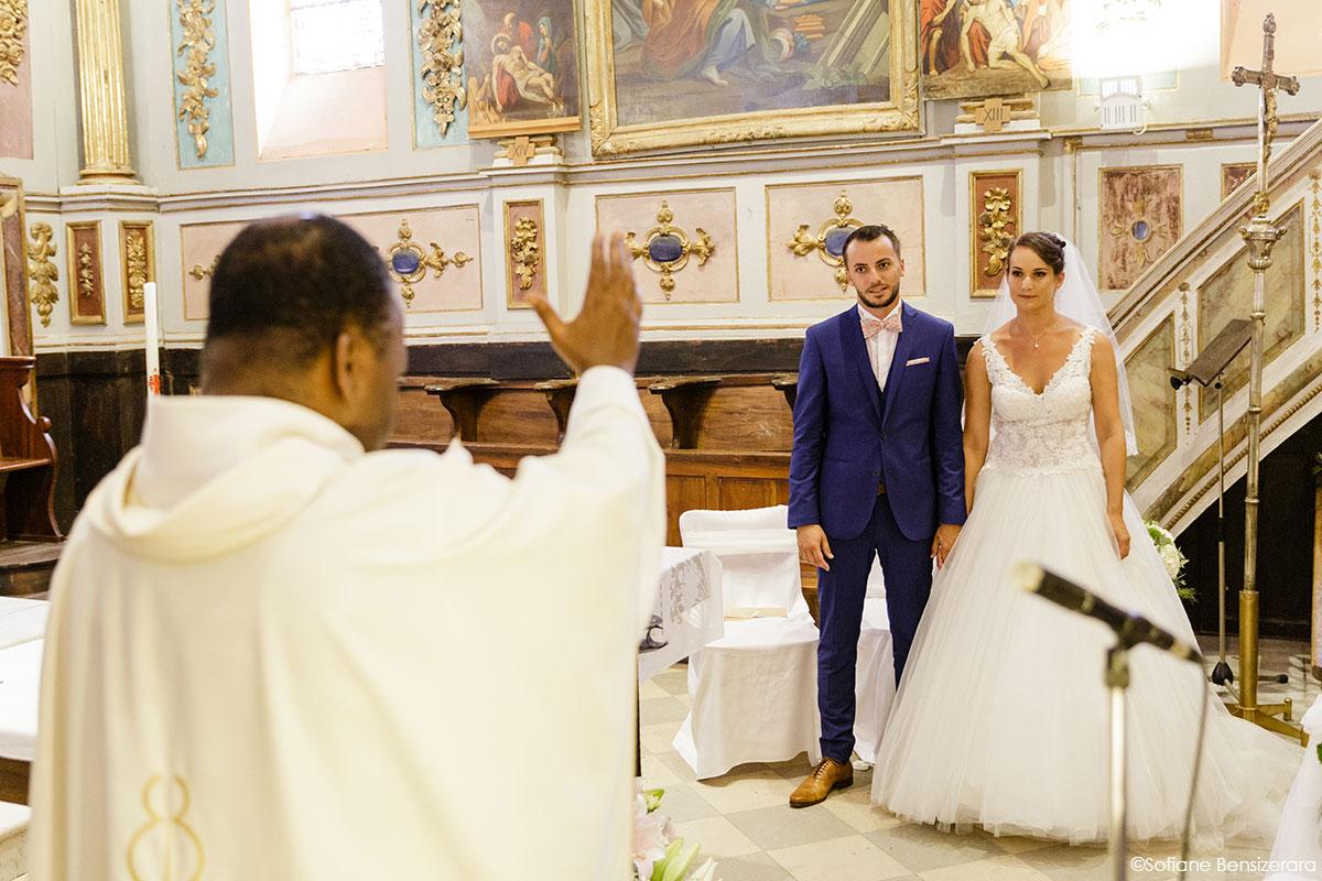 Mariage de Mathilde & Alexandre au Miroir des Lys 41 benediction maries toulouse