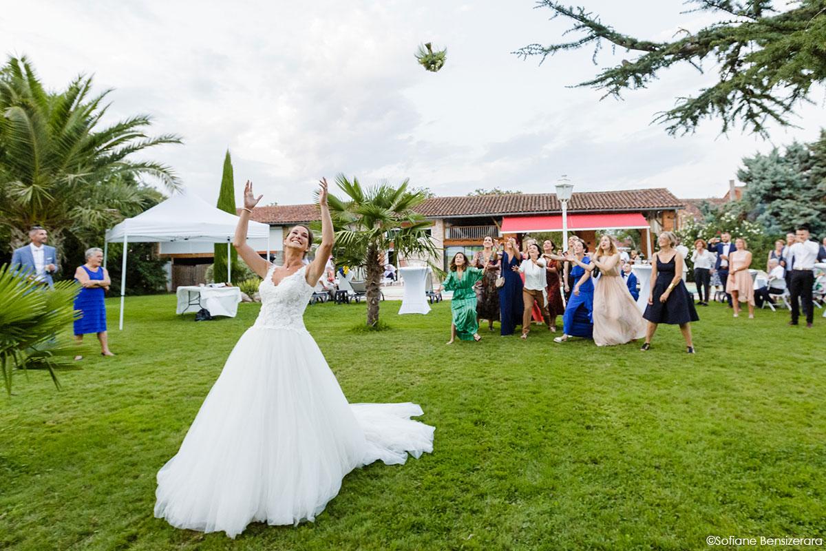 Mariage de Mathilde & Alexandre au Miroir des Lys 62 bouquet mariage